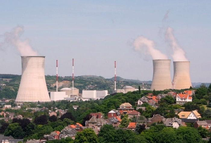 В пригороде Брюсселя проводится эвакуация атомной электростанции