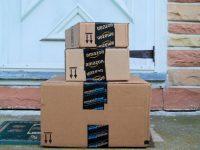 Amazon получил половину праздничных онлайн продаж в США
