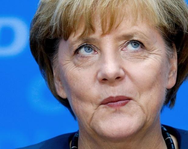 Ангела Меркель и члены правительства Германии увеличили себе зарплату (инфографика)