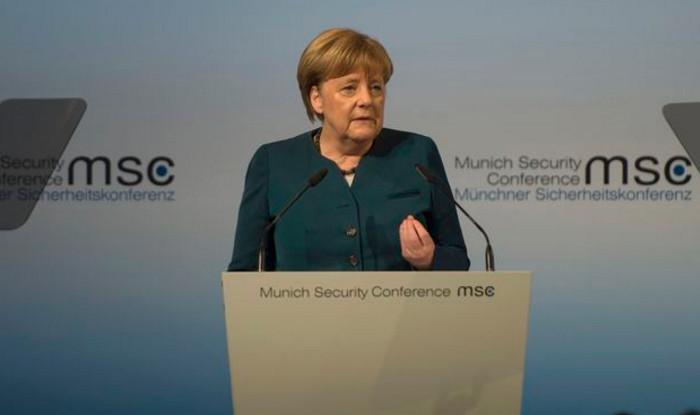 Ангела Меркель считает евро слишком дешевой валютой для Германии