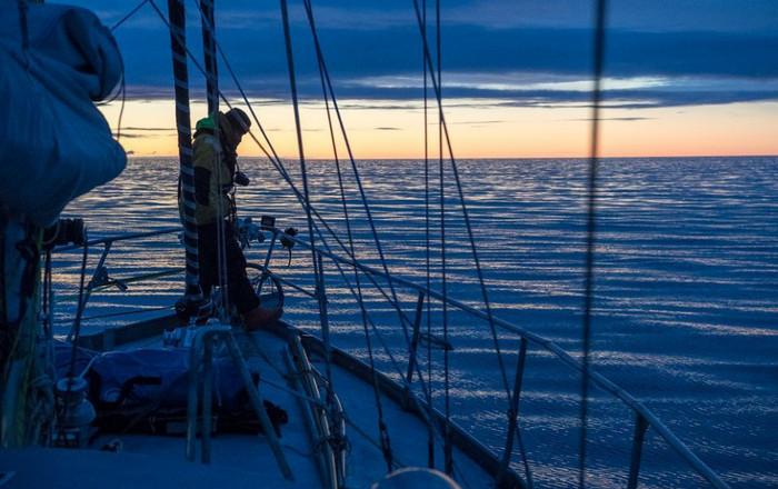 Английский исследователь обошел Арктику на яхте, и не встретил льда