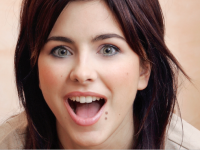 Ани Лорак в боди удивила поклонников фото с безобразным макияжем