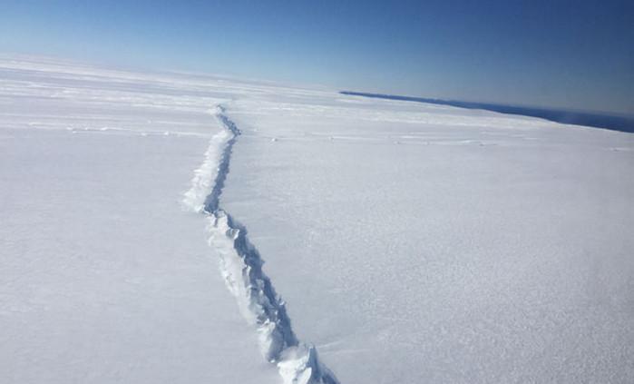 Антарктический шельфовый ледник может разрушиться за 100 лет