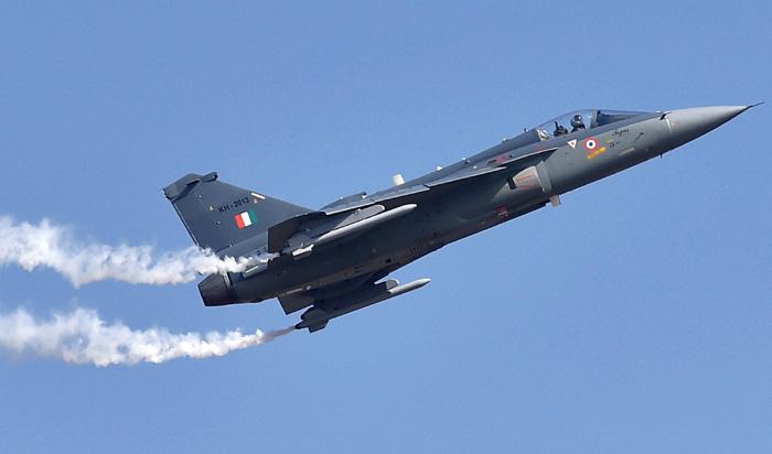Армия Индии получила на вооружение первый истребитель собственного изготовления