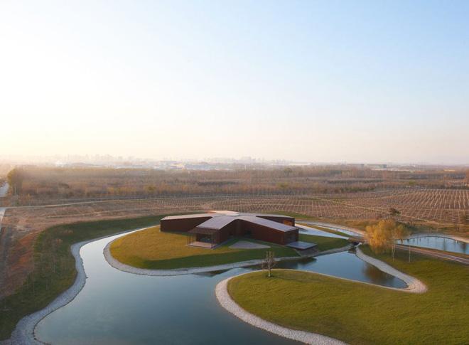 Asterisk Winery – винодельный завод с уникальным убранством, находящийся на плавающем островке