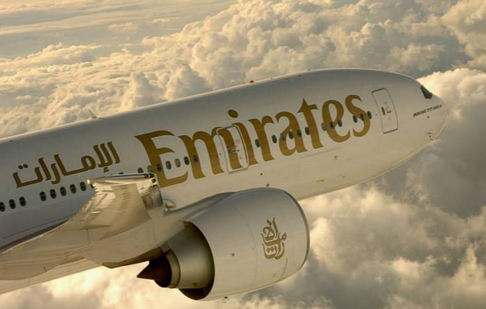 Авиакомпания Emirates меняет пилотов и стюардесс, летающих в США