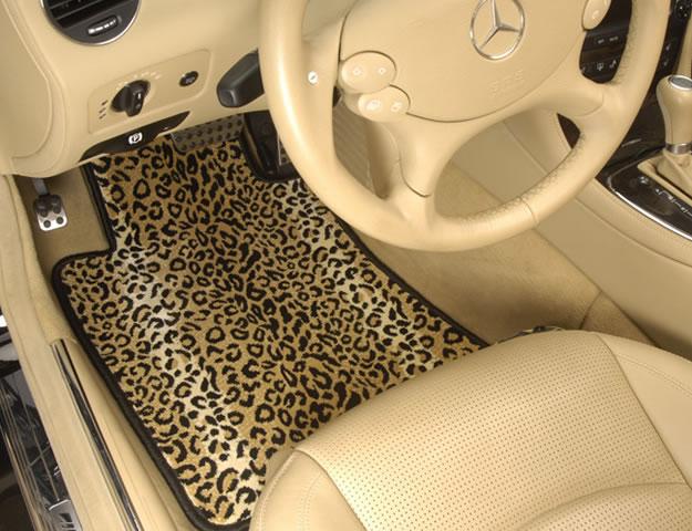 Как выбрать автомобильный коврик?