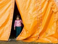 Как беженцы справляются с холодом, а страны с беженцами