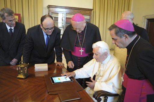 Папа Римский Франциск продал свой iPad на аукционе почти за 40 тысяч долларов