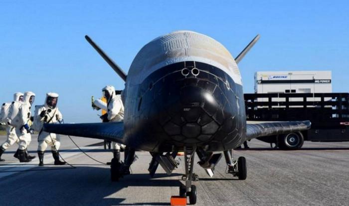 Беспилотный шаттл вернулся на Землю после двухлетней космической миссии