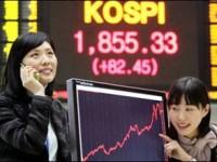 На фондовой бирже Японии наблюдаются максимальные годовые показатели, иена обесценивается