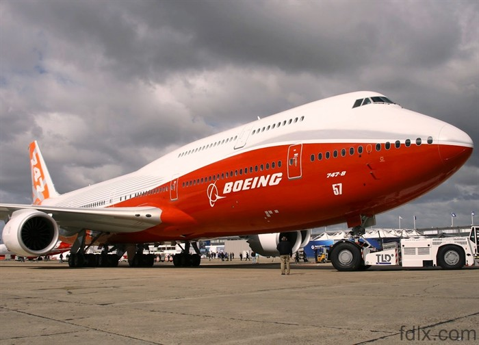 fdlx.com  Производство самолетов Boeing 747 сократится в 2 раза