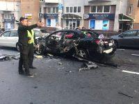 Богатые украинцы начали активно покупать бронированные авто после взрывов в столице