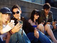 Более половины украинцев не представляют своей жизни без телефона, – исследование