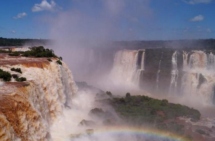 Бразилия открывает доступ в заповедник для добычи золота