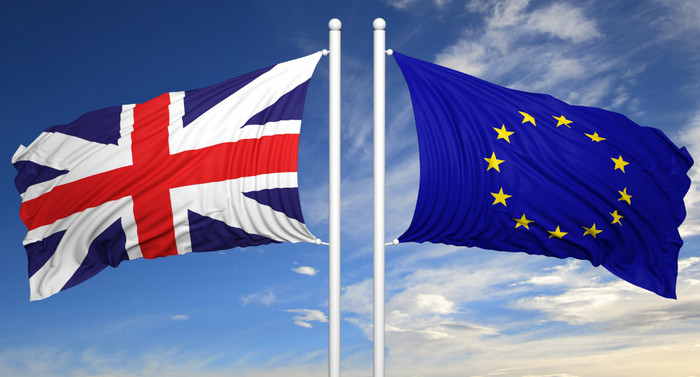 Brexit приведет к снижению зарплаты британцев минимум на 300 фунтов стерлингов