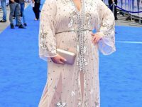 Британская поп-звезда на фестивале Best TV Show провалилась под сцену (видео)