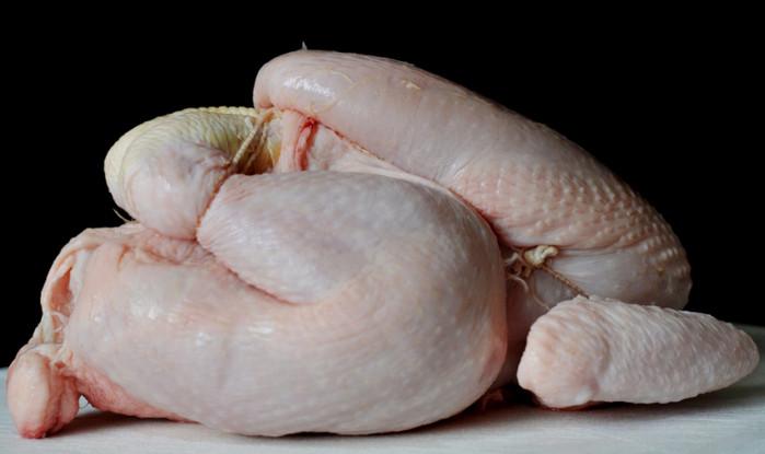Британский производитель поставлял просроченное мясо птицы в супермаркеты