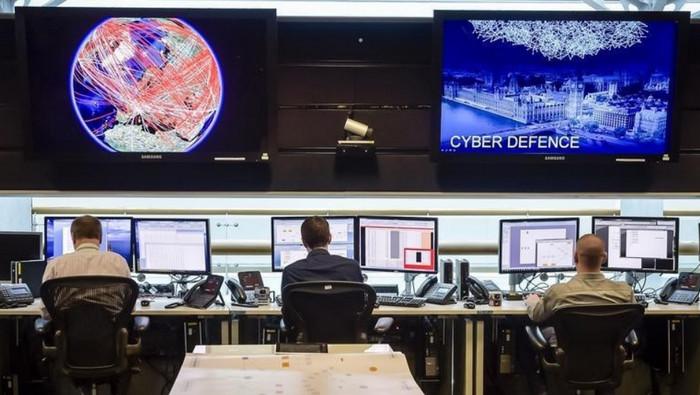 Британское правительство обвиняется в шпионаже за пользователями социальных сетей