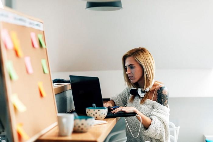 Как заработать дома в интернете и получить деньги бесплатно без вложений Fdlx
