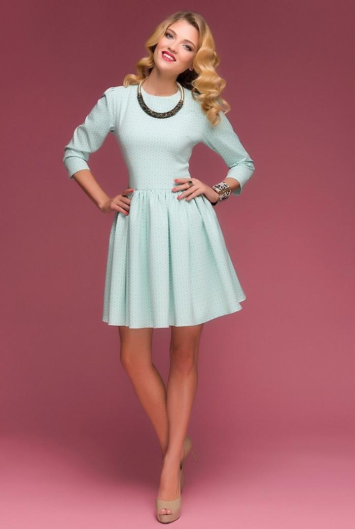 Оптовые покупки женских платьев: на что обратить внимание
