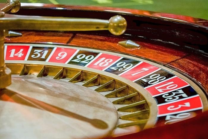Играем в рулетку на реальные деньги онлайн казино игровой автомат кинокамеры