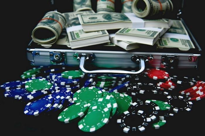 Заработать деньги в онлайн рулетку плакат в сочи не играйте в карты с местными