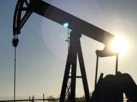 Цены на нефть продолжают снижаться из-за растущих поставок из стран ОПЕК
