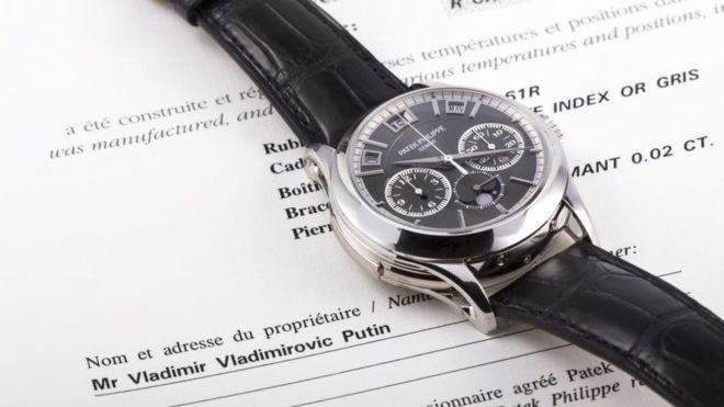 """""""Часы Путина"""" куплены неизвестным покупателем за 1 млн евро"""