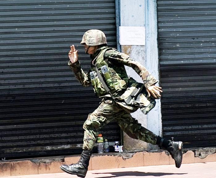 Дезертирство, контрактник, военный, военнослужащий, солдат, бежит, наказание, военная часть