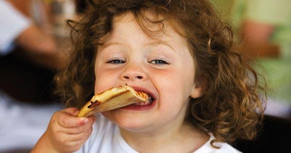 В Италии суд заставляет мать включить мясо в рацион питания ребенка