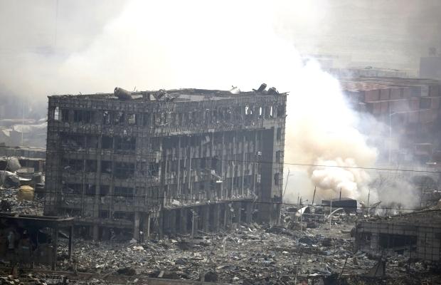 От взрыва в Китае уже погибло более 100 человек, территория заражена