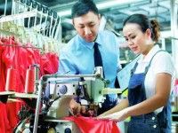 В Китае промышленность замедляет рост