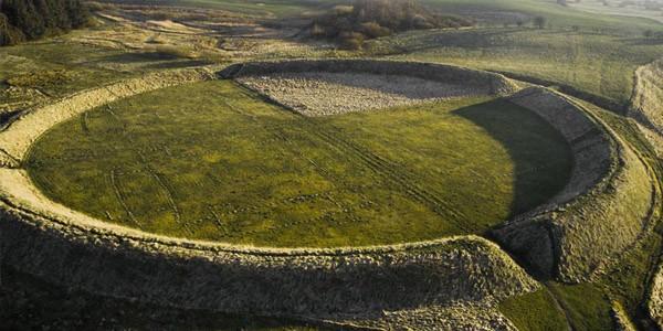 Датские ученые обнаружили крепость викингов Х века