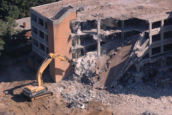 Бизнес идея: демонтаж зданий