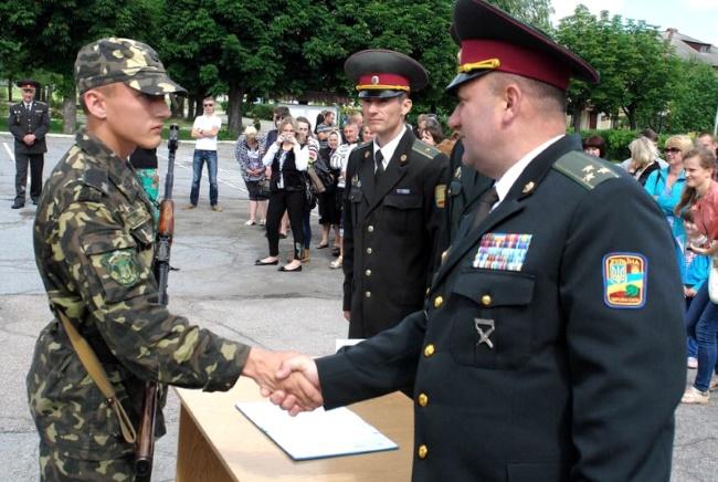 Выплата, контракт, первый, военнослужащий, служба в армии, контрактник