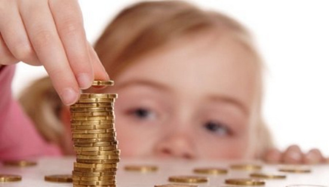 Деньги при рождении ребенка в Украине будут выдавать по новым правилам