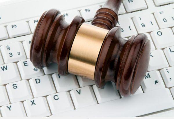 Депутаты обжалуют в суде указ о блокировке российских соцсетей