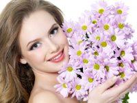 Цветы для любимой женщины – отличное средство для объяснения в любви
