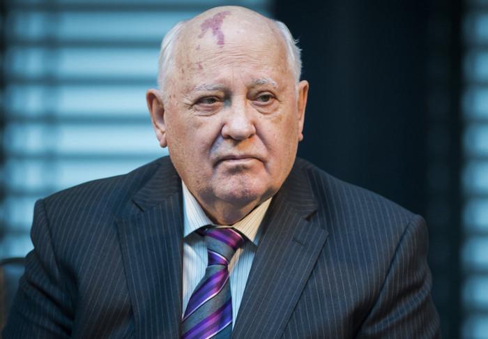 Договор о промежуточных ядерных вооружениях 1987 года находится под угрозой расторжения, - Горбачев