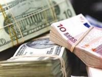 Доллар по отношению к евро вырос до десятилетнего максимума