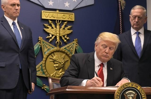 Дональд Трамп сократил бюджет Госдепартамента США на 28%