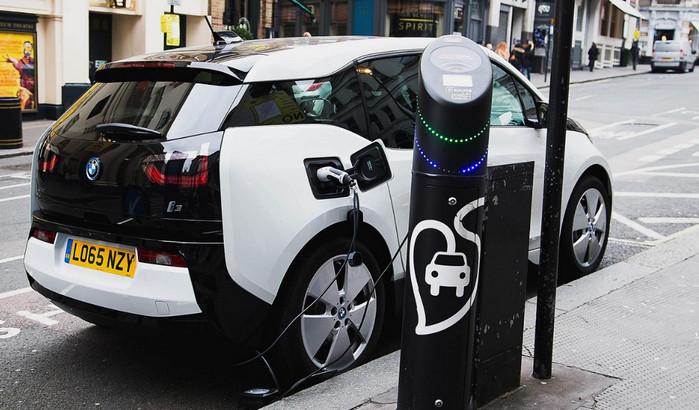 Электромобили станут дешевле бензиновых автомобилей в течение 10 лет, - эксперты