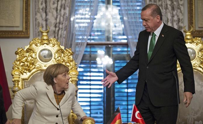 Эрдоган обвиняет Меркель в помощи террористам