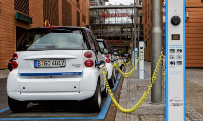 ЕС планирует инвестиции в производство батарей для электромобилей