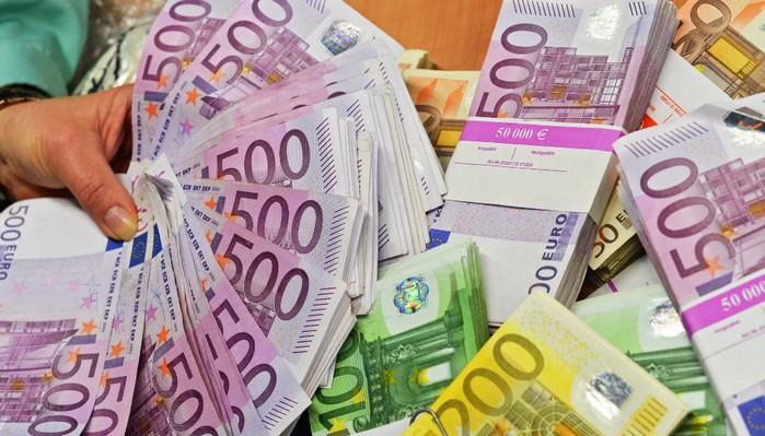 ЕС ввел новые правила трансграничной перевозки денег