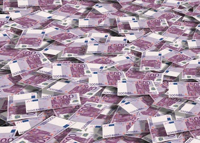 Банкноты номиналом в 500 евро выведут из обращения - Марио Драги