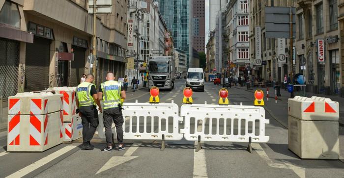 Европейские города начали устанавливать бетонные барьеры на улицах