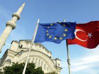 Европолитики не согласны с Меркель: переговоры о вступлении Турции в ЕС будут продолжены