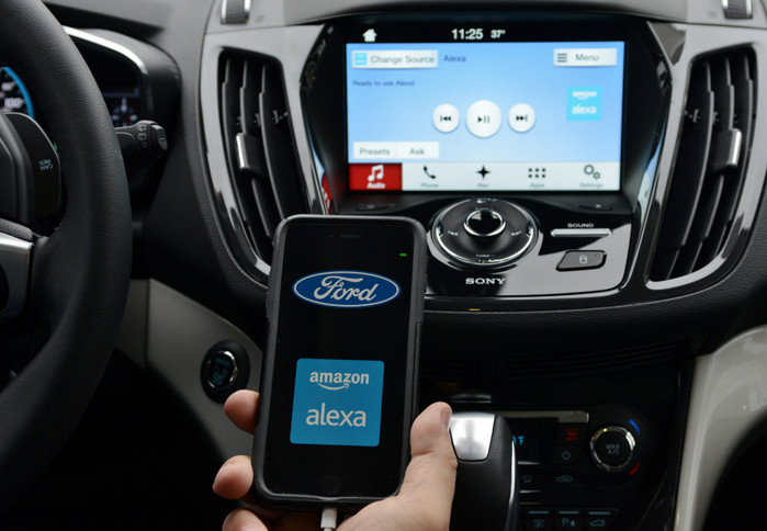 Ford будет использовать в своих автомобилях программу ассистента Alexa